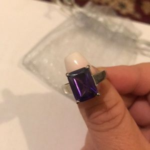 Jewelry - Purple ring size 7